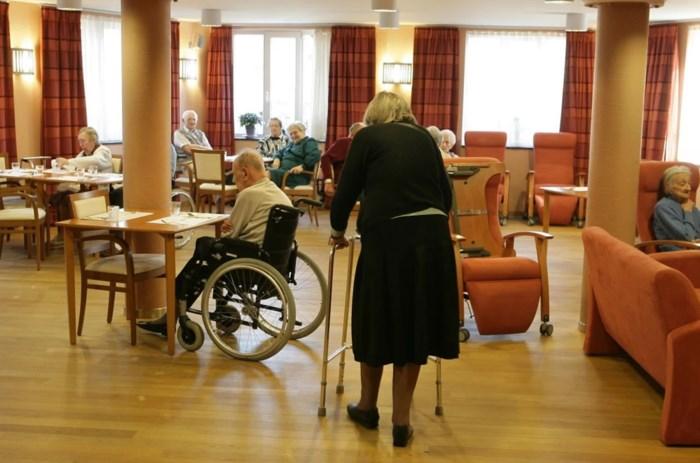 """Woon-zorgcentra smeken om helpende handen nu meer en meer personeelsleden uitvallen: """"Zorgkundigen, kom ons alsjeblieft helpen"""""""