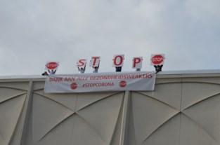 """Personeel van UZ Brussel schreeuwt dringende oproep van de daken: """"Blijf alsjeblieft binnen"""""""