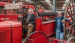 """Na dertig jaar ziet Michel (61) zijn levenswerk van 180 brandweerwagens vertrekken uit Aalst: """"Ik verkoop mijn kind"""""""