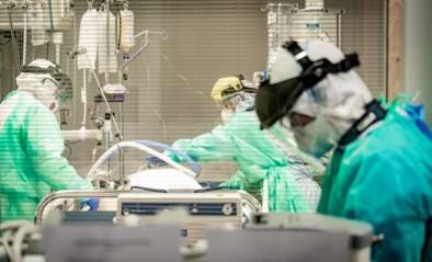 """Aantal besmettingen stijgt niet zo snel als in april, toch vrees voor veel zwaardere piek: """"Het dreigt te laat te zijn"""""""
