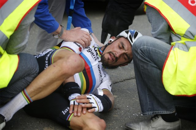 "Julian Alaphilippe na val in Ronde van Vlaanderen: ""Dit was niemands fout en ik kom zéker nog terug"""