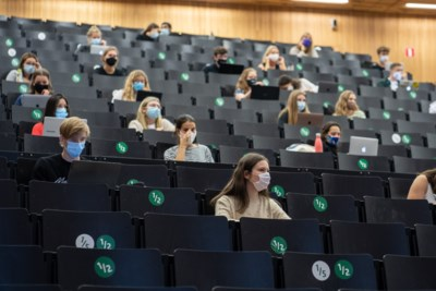 Duizenden studenten willen toch nog naar de les, petitie massaal getekend