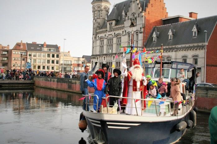 Ook hier gaat de blijde intocht van de Sint niet door, maar Sinterklaas laat Lokeren niet links liggen
