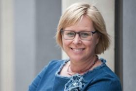 """Sabine Vermeulen is een gewone vrouw uit Deinze, maar oplichters zijn dol op haar: """"Blijkbaar zie ik er betrouwbaar uit"""""""
