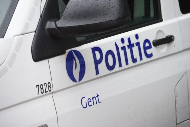 Vrouw schendt avondklok en spuwt naar agent in Gent