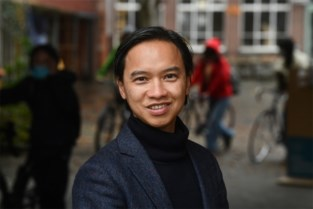 """Van Vietnamese bootvluchteling tot kankerspecialist die jongeren inspireert: """"Professor per (on)geluk? Ja, maar ik heb ook hard gewerkt, gestudeerd en kansen gegrepen"""""""