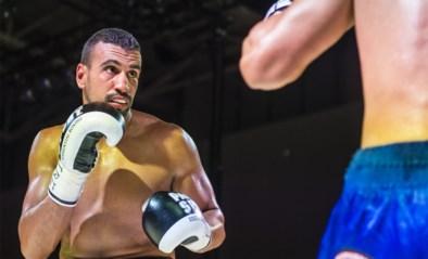 Tommy McCarthy slaat Europese boksdroom van Belg Bilal Laggoune aan diggelen
