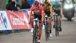 De accordeon vouwt dicht: nog vier kanshebbers op eindzege in Ronde van Spanje na kleine tik voor Roglic op Angliru