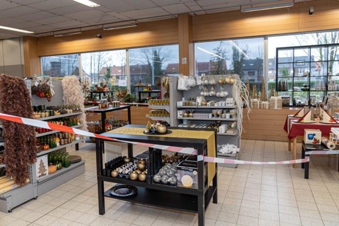 De kerstversiering stond klaar, maar ook Gentse winkels moeten ze weghalen of afschermen