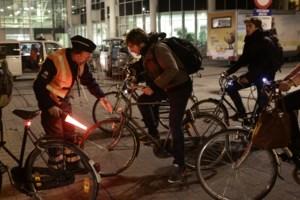 Fietsers zijn gewaarschuwd: Gentse politie controleert deze week de drukste fietsassen