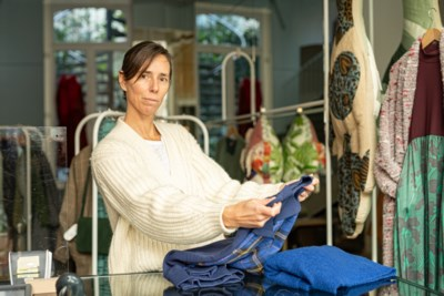 """Gentse kledingzaak geeft klanten tips via WhatsApp: """"Wij blijven bereikbaar tijdens lockdown"""""""