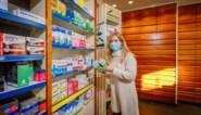 """Apothekers zien opvallende trend door coronaregels: """"Normaal verkochten we hier 20 dosissen van. Nu twee"""""""