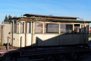 Tram van 110 jaar oud keert terug naar Merelbeke, ook al is hij al 50 jaar een … duiventil