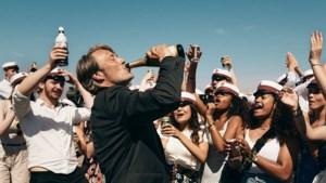 De theorie van de film 'Drunk': altijd een beetje beschonken, word je daar echt een beter mens van?