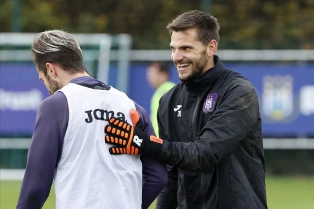 Anderlecht beloont sterkhouder Hendrik Van Crombrugge met langer contract en forse loonsverhoging