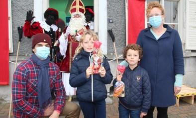 """Sint is dit jaar amper in levenden lijve te zien, maar hier ontmoet hij kinderen vanuit 'zijn kot': """"Perfect coronaproof"""""""