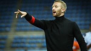 COVID blijft AA Gent parten spelen: trainer Wim De Decker test weer positief, net als vijf spelers