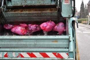 Roze zak mag je langer blijven buitenzetten om overschot weg te werken