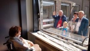 """Zorgsector en vakbonden hekelen traagheid Vlaamse regering met extra geld: """"Je zou voor minder gedemotiveerd raken"""""""