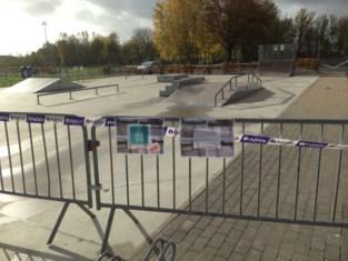 Geen mondmaskers en te veel volk tegelijk: skatepark en omnisportterrein afgesloten<BR />