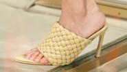 Katie Holmes draagt populairste schoen van het moment