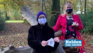 """Advocaat Mieke (34) verkoopt mondmaskers voor goed doel én vriendin met borstkanker: """"Enkel zo kunnen we haar nu steunen"""""""
