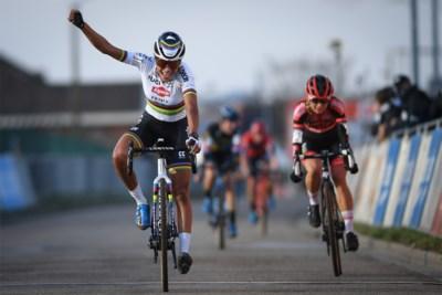 """Wereldkampioen Ceylin del Carmen Alvarado wint nu wel in de sprint: """"Ik heb mijn sprint gereden zoals het moest"""""""