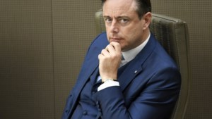 Wat is het geheim van Bart De Wever? Al 16 jaar N-VA-voorzitter en met recordaantal stemmen herverkozen