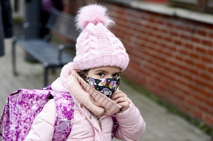 """Ook -12-jarigen moeten mondmasker dragen, ondanks bedenkingen van experts: """"Meer aantoonbare nadelen"""""""