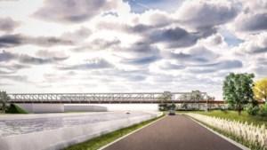 Dit wordt de nieuwe fietsbrug in Wondelgem: 166 meter over R4 en Ringvaart