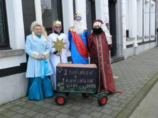 Drie koningen en koningin zingen coronaproof voor goed doel