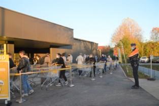 Politie houdt toezicht op 'rustige' opening nieuwe Jumbo Ranst