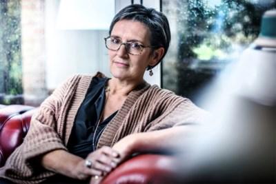 """Gerontologe Christel Geerts steekt 'meisjes van vijftig en meer' een hart onder de riem: """"Het nieuwe veertig? Waarom mag vijftig niet gewoon vijftig zijn?"""""""