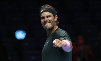 Rafael Nadal voorbij titelverdediger Tsitsipas naar halve finale ATP Finals