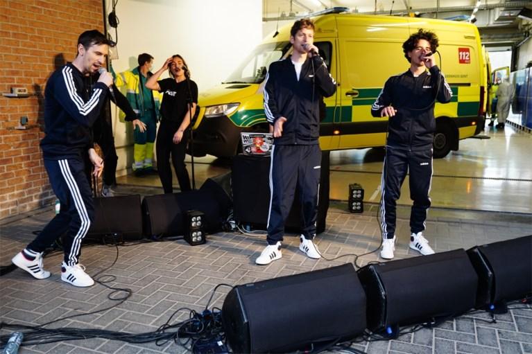 Optreden op de parking van de spoeddienst: Gentse rappers steunen personeel van UZ
