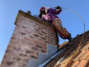 """Schoorsteenveger helpt Sinterklaas als Inspectiepiet: """"Zo worden de Sint en zijn Pieten niet vuil wanneer ze door de schoorsteen moeten"""""""