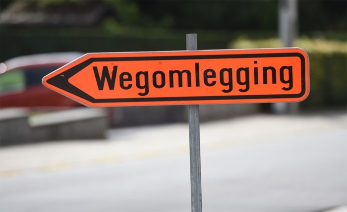 Brusselsesteenweg wordt dit weekend bij mooi weer in beide richtingen afgesloten voor asfalteringswerken