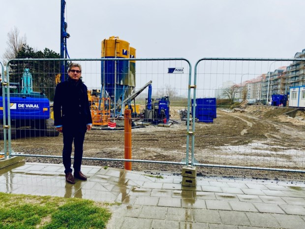Nu nog troosteloos, maar Nieuwlandplein verandert binnenkort in duinenpark met eco-hotel