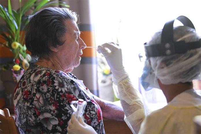 """Gentse rusthuizen nog niet verlost van corona: """"Soms spannend om personeel te vinden"""""""