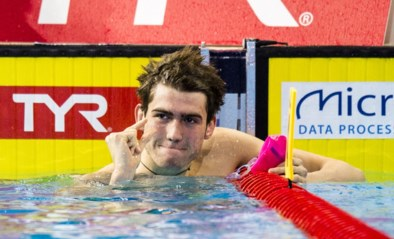 Rus Kolesnikov breekt wereldrecord op de 100m rugslag in klein bad