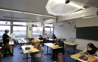 In 6 op de 7 scholen is het de leerkracht die de klas moet verluchten, en dat is niet ideaal
