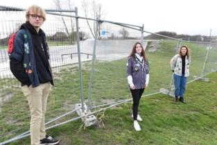 """Burgemeester sluit skateparken en speelpleinen door samenscholingen, jeugdraad boos: """"Ze steken hun middelvinger op naar de politie"""""""
