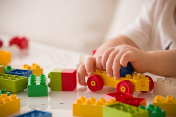 Moet ik luisteren naar mijn kind of kies ik duurzaam speelgoed? En wanneer is speelgoed het goedkoopst? Jouw vragen beantwoord