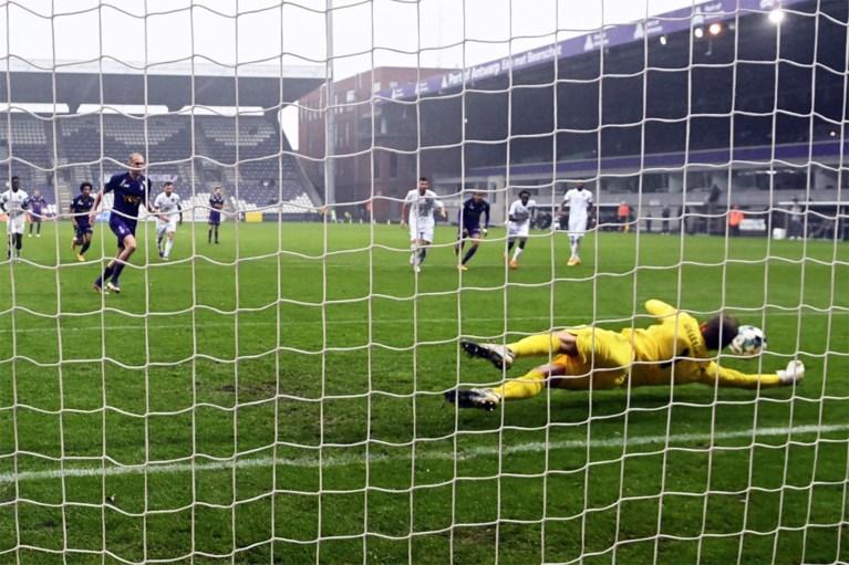 Beerschot klimt naar tweede plaats na zege tegen slap Anderlecht