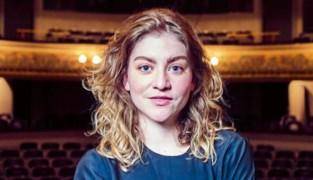 """Charlotte De Bruyne is Cultuurlaureaat 2020: """"Wens elke jongere de creatieve vrijheid die ik zelf kreeg"""""""