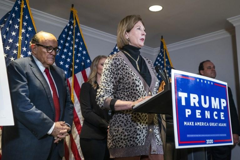 """Trump-campagne verbreekt banden met advocate die zelfs voor de president te ver gaat: """"Het wordt Bijbels, ik zal de Kraken loslaten!"""""""
