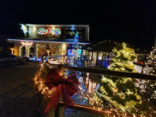 """Frituur versierd met 80.000 kerstlichtjes: """"Positief signaal in donkere tijden"""""""