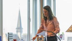 """Minister van Buitenlandse Zaken Sophie Wilmès (MR) opnieuw aan het werk na coronabesmetting: """"De voorbije weken zijn zwaar geweest"""""""