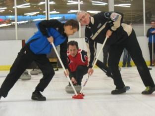 """Noodlening van 50.000 euro helpt curlingclub om hoofd boven water te houden: """"Onze reserves zijn op"""""""