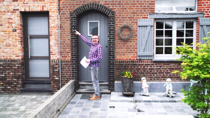 """Martin Heylen blikt terug op 'Zelfde deur, 20 jaar later': """"Ik doe me niet graag slimmer voor dan ik ben"""""""